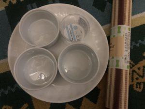 100円ショップのココット皿、セリア